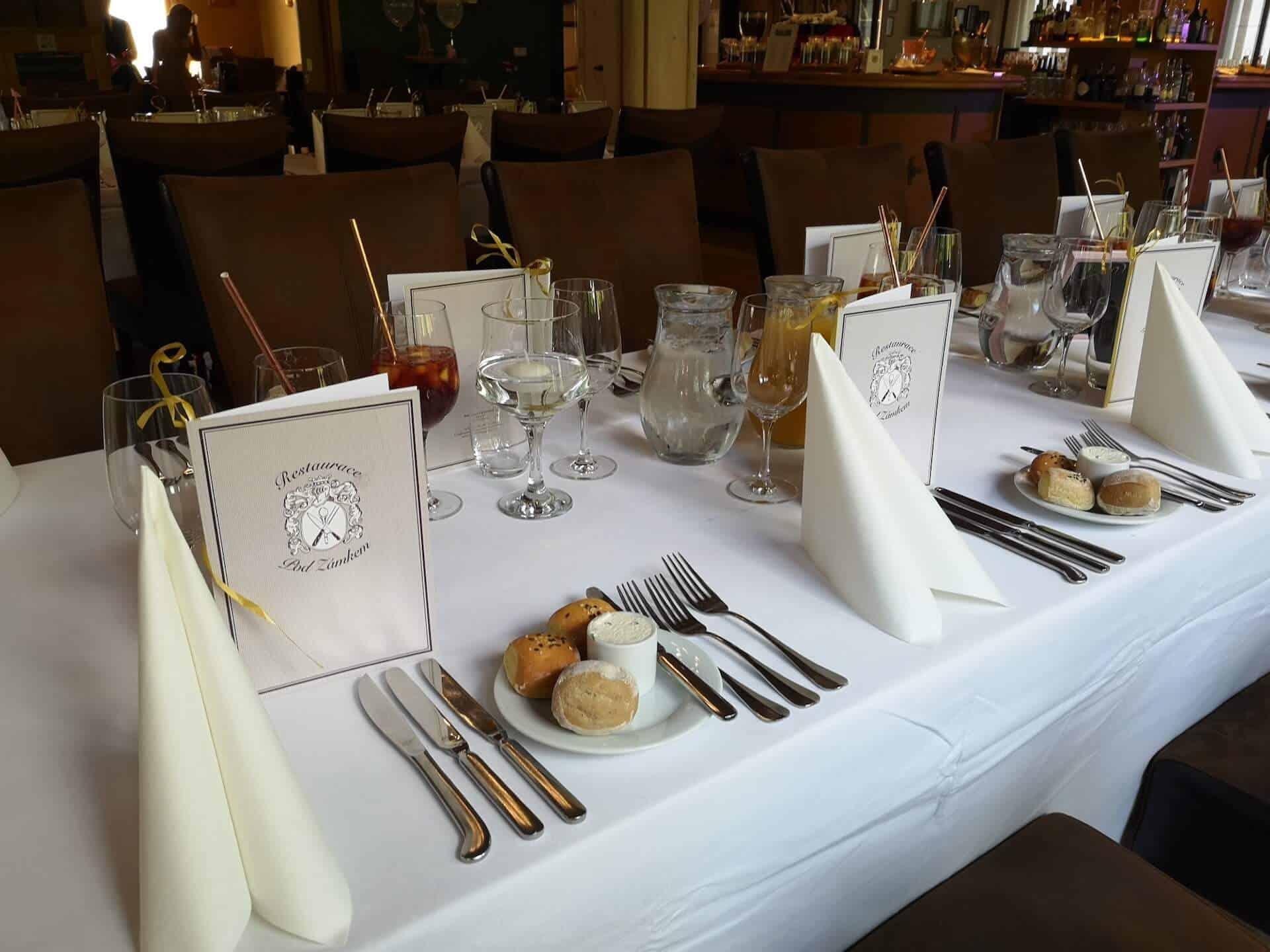 Restaurace Pod Zámkem Průhonice - detail tabule