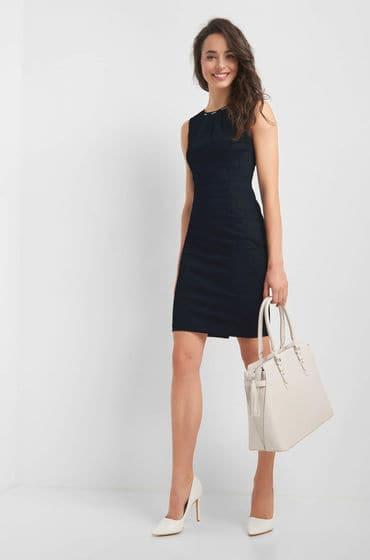 Modré puntíkové šaty zn. Orsay přiléhavého stylu s lodičkovým výstřihem