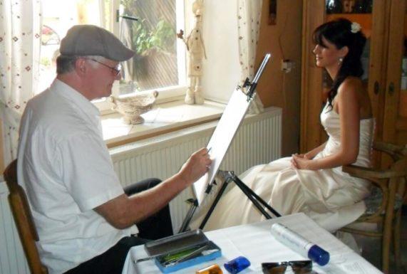 Karikaturista na svatbě v akci