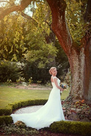 Zámeček Klokočov - nevěsta v zahradě