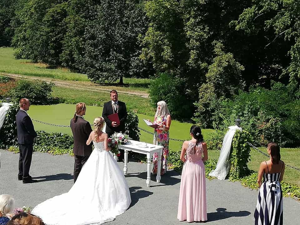 Zámek Dobřenice svatební obřad