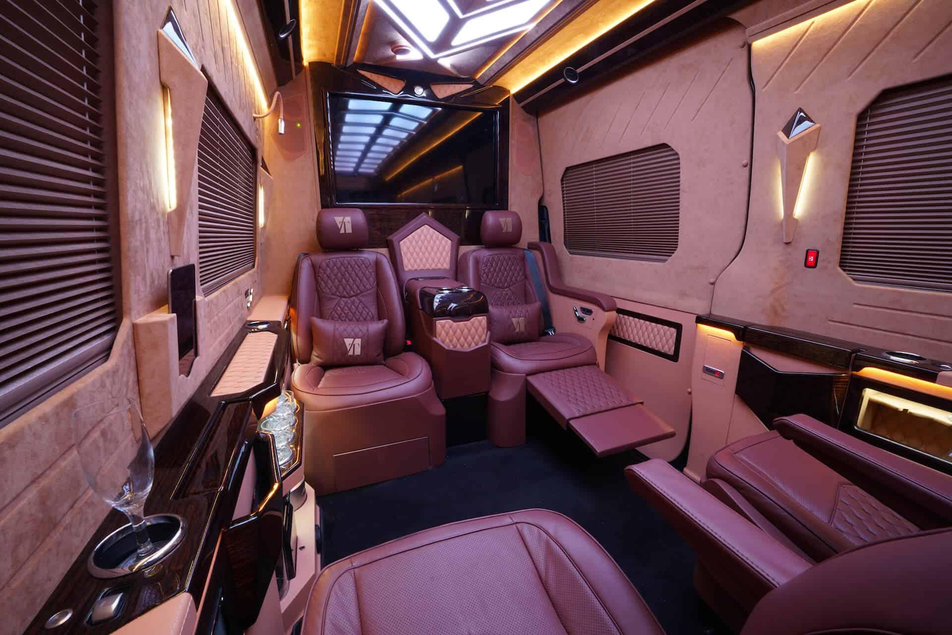 Luxusní svatební all-inclusive limuzína pro 7 osob