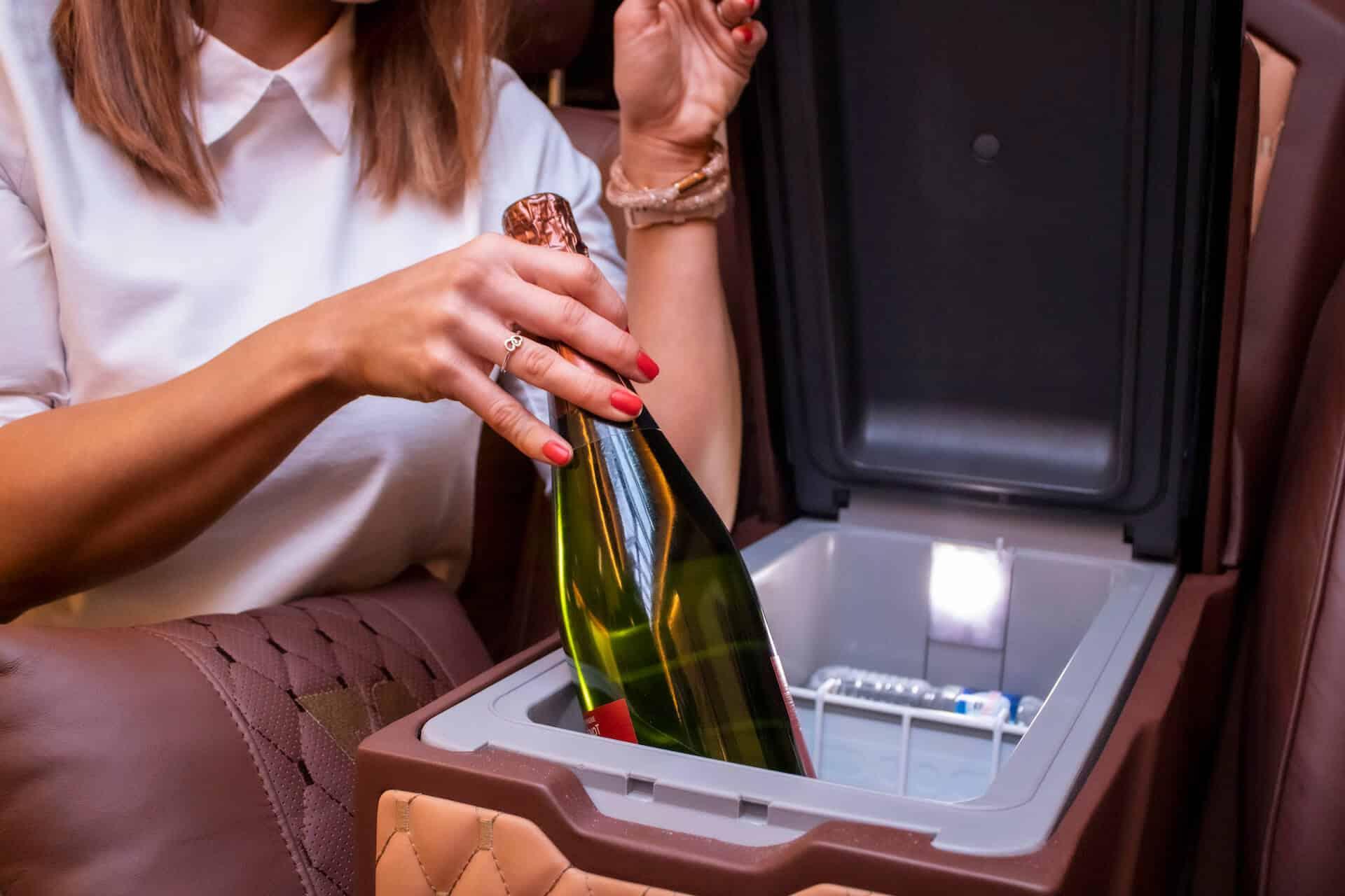 Luxusní svatební all-inclusive limuzína pro 7 osob, šampaňské