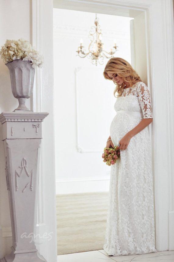 Těhotenské svatební šaty Asha od Tiffany Rose ze studia Agnes