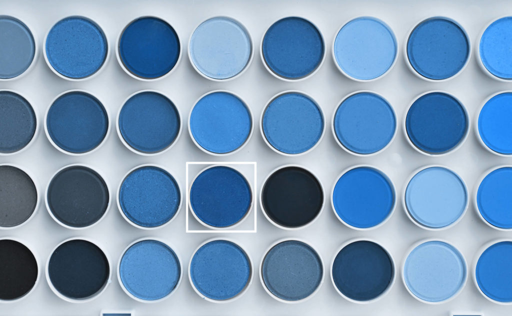 Barva roku 2020 Classic Blue (klasická modrá)