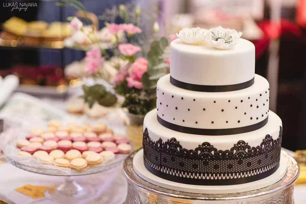 Svatební dny, dort, ilustrační foto