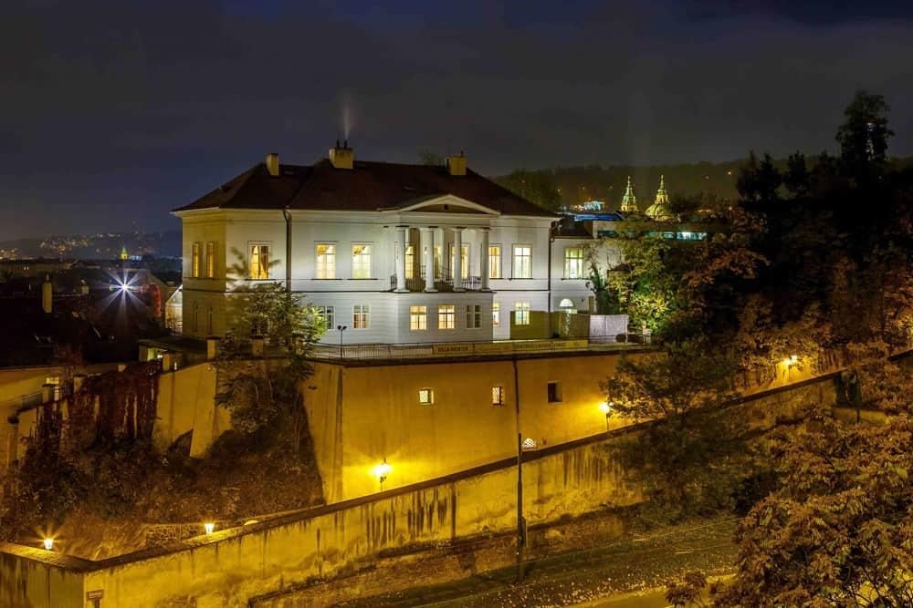 Villa Richter, večerní pohled