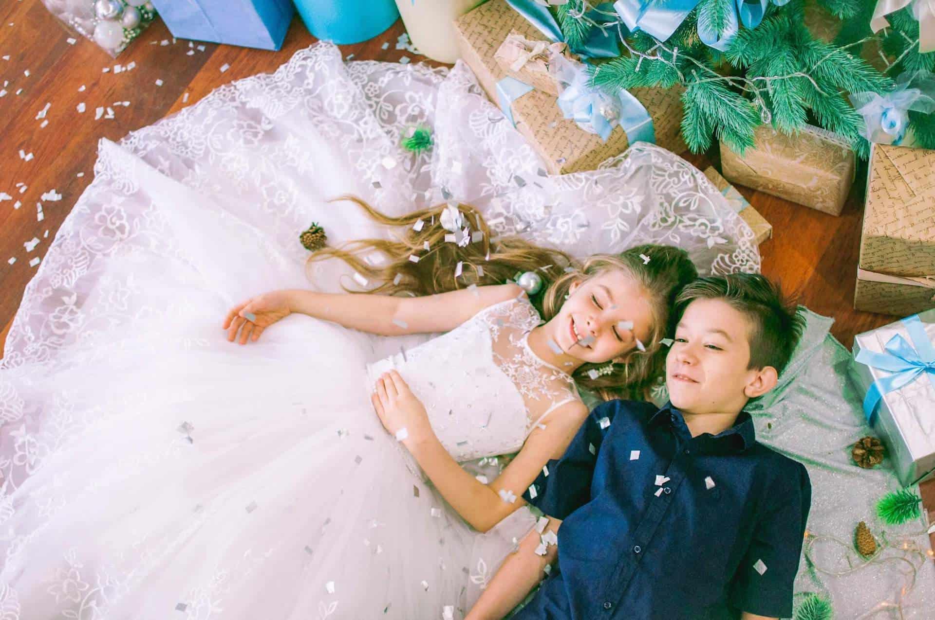 Chlapec a dívka měli sen o svém svatební dni